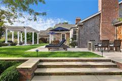 Elegant East Hampton Compound luxury properties