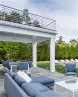 Mansions traditional open-plan beauty