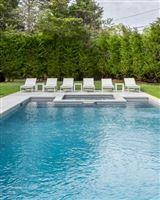 Luxury properties traditional open-plan beauty