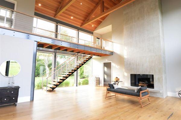 Luxury homes A modern barn residence in sagaponack