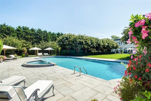 Masterfully Executed South Of The Highway Estate New