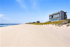 Luxury real estate simply spectacular Hamptons Oceanfront