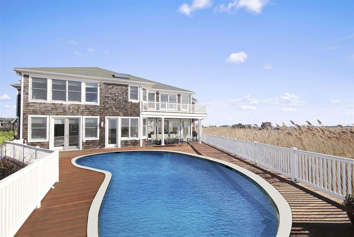 Very private post modern residence luxury properties