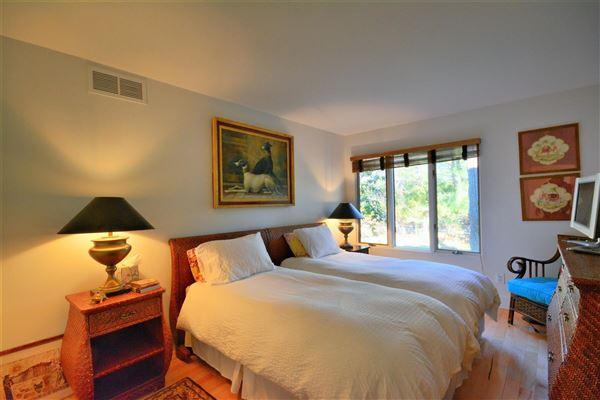 a Private Southampton property luxury real estate