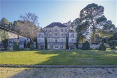 Mansions stately chateau