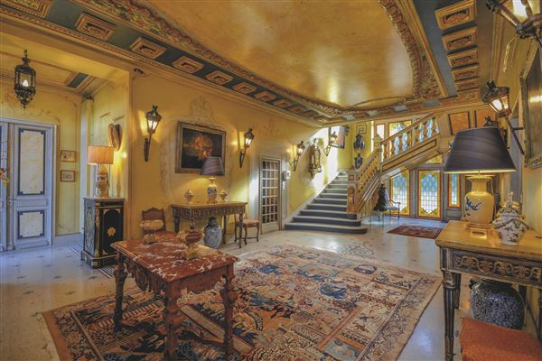 Luxury homes stately chateau