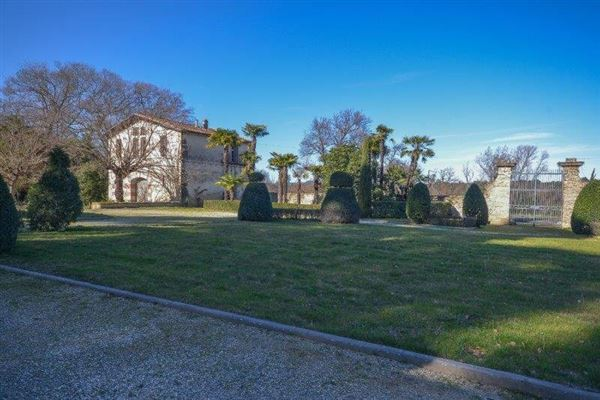 stately chateau luxury properties