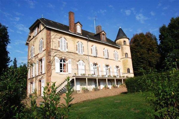 Luxury properties exquisite house awaits