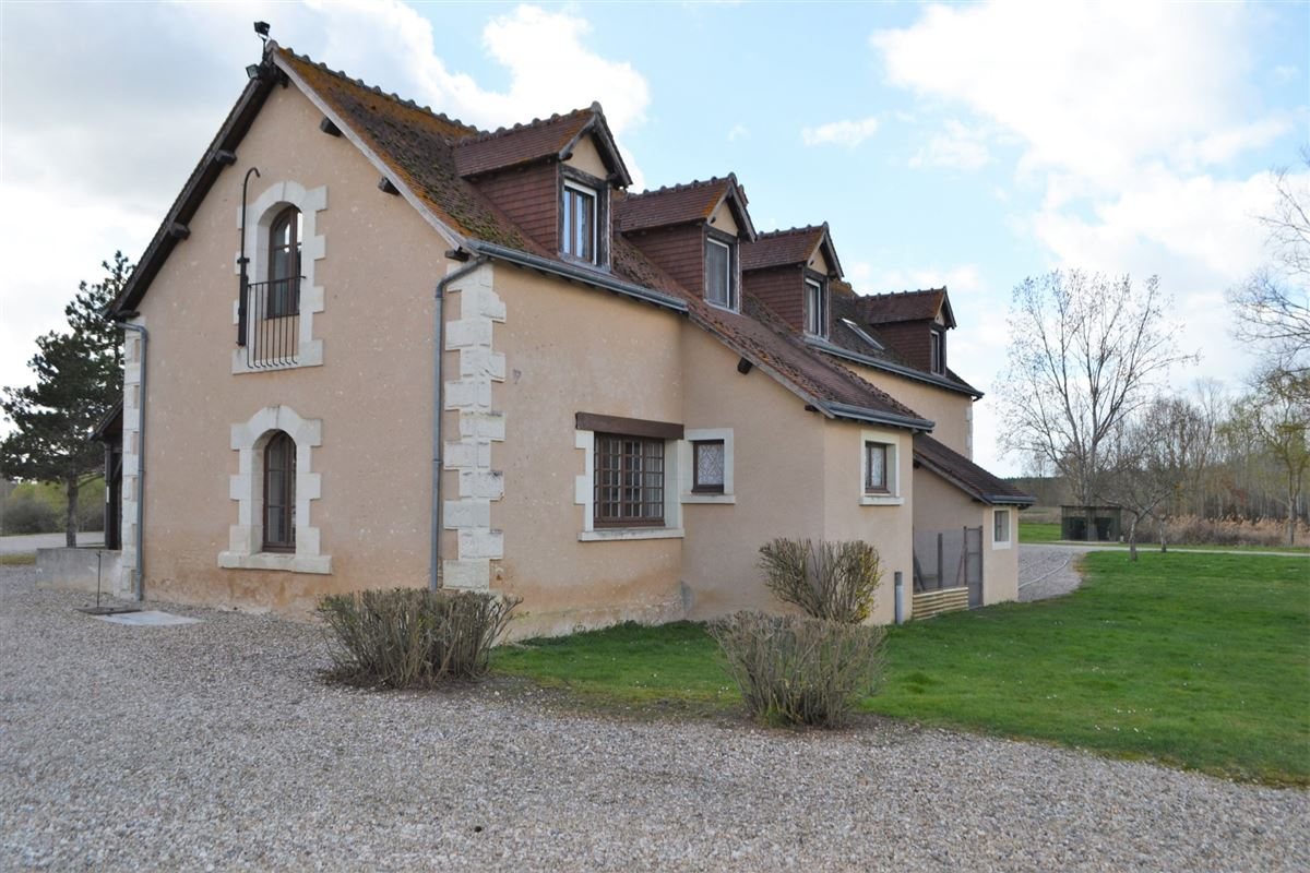 Luxury properties well maintained MAGNIFICENT PROPERTy