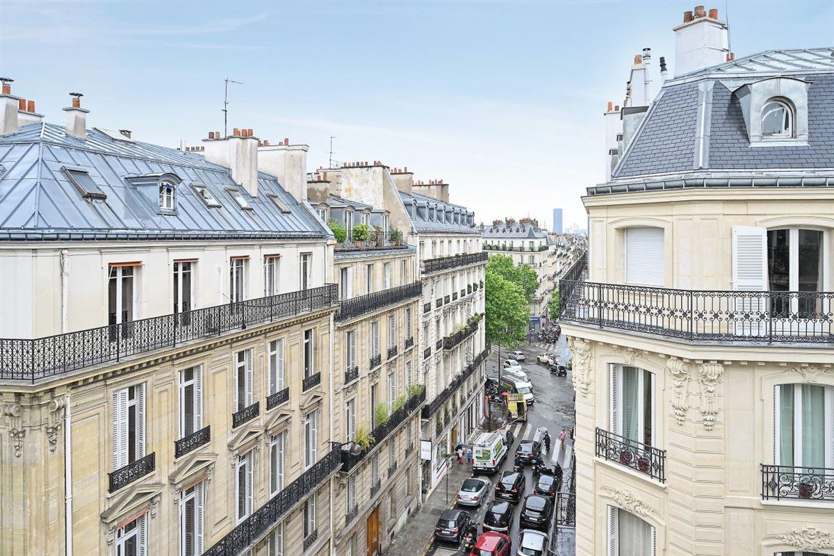 Luxury homes MIROMESNIL - PARC MONCEAU