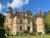 Luxury homes in Castle originating from 12th century