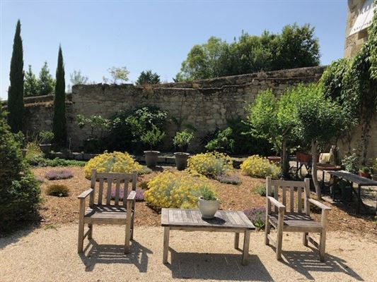 18TH-C LISTED MANSION - OUTBUILDINGS, POOL luxury properties