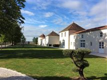 Luxury homes in CHARMING property in Charente-Maritime