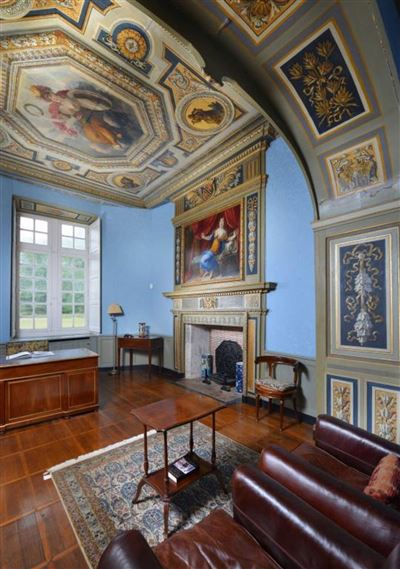 Luxury real estate built between the XII and the XVII centuries