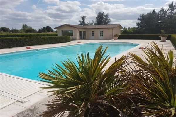 Luxury homes This Quality villa includes a swimming pool