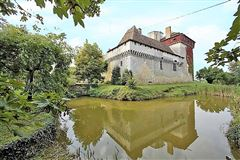 Very beautiful castle with a swimming pool luxury homes