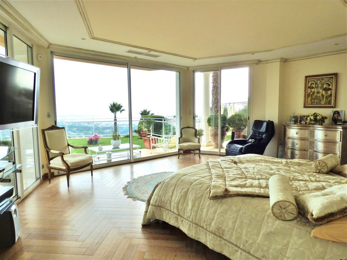 PROPERTY GOLFE JUAN WITH PANORAMIC VIEWS luxury homes