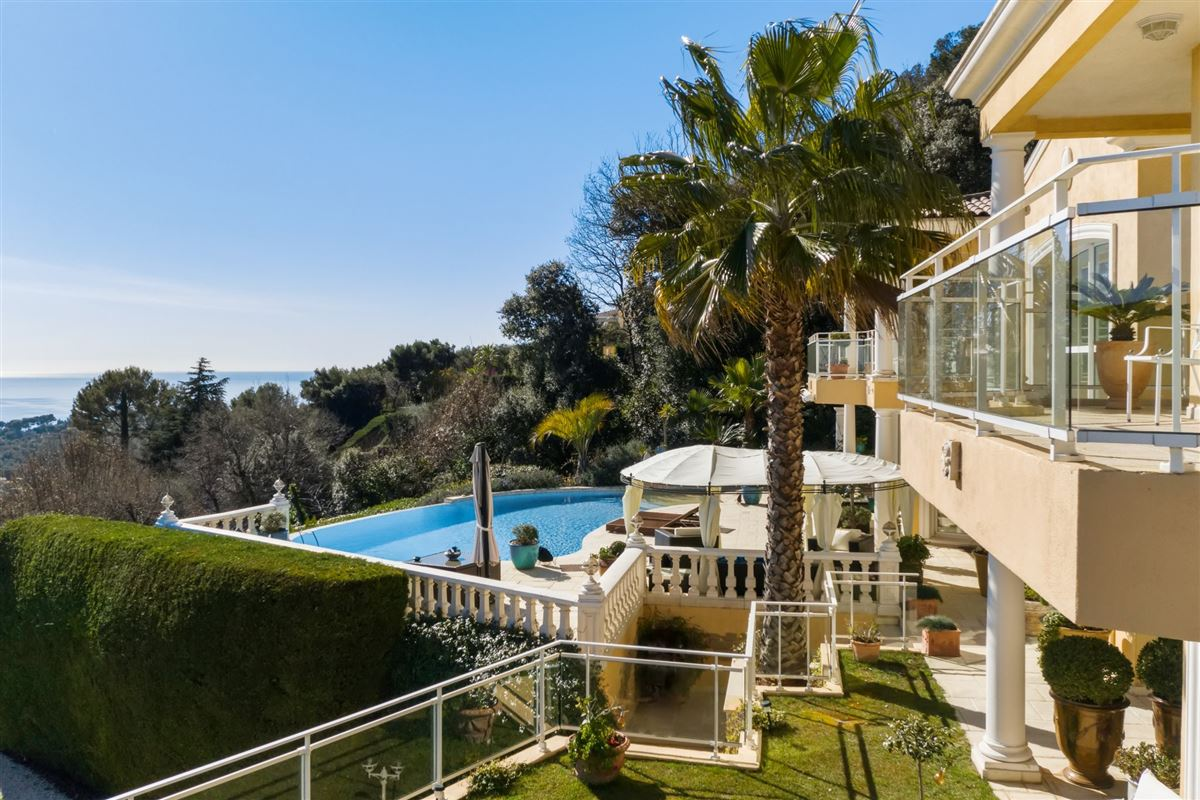PROPERTY GOLFE JUAN WITH PANORAMIC VIEWS mansions