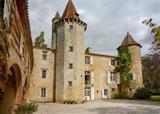 Restored castle from the 13th to the 18th century luxury homes