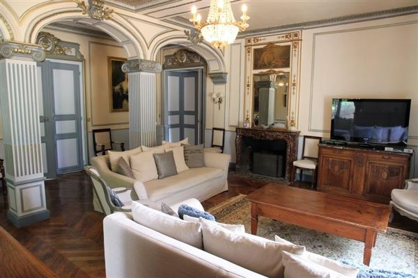 very well maintained luxury properties