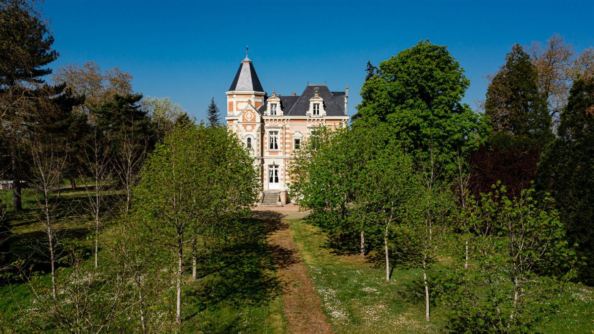 19th Century Chateau in excellent condition luxury real estate