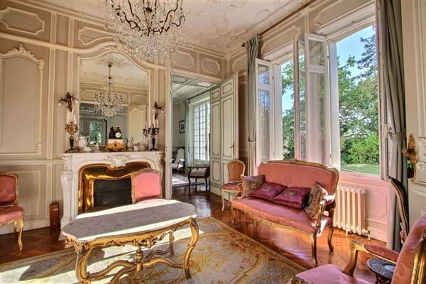Luxury homes elegant manor house