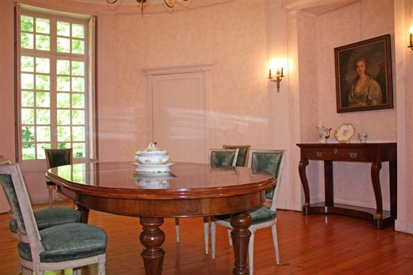 remarkable castle  luxury properties