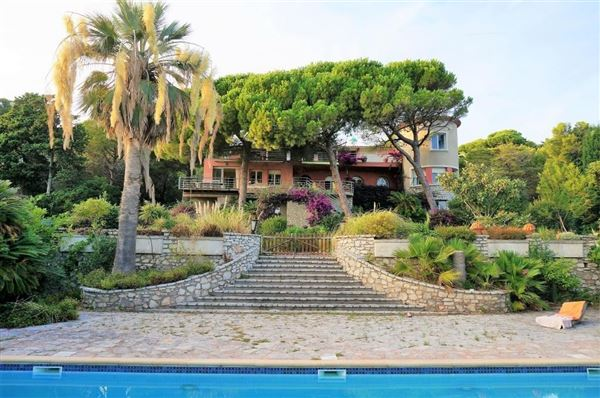 stunning Home in an exceptional location luxury properties