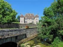 Renaissance-style castle mansions