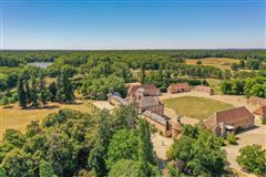 Magnificent chateau from the XVI and XVIIIth Centuries  luxury properties