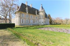 renovated and furnished château mansions