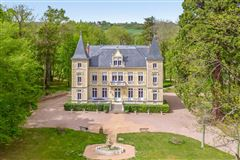 Luxury real estate Luxury château