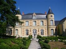 Mansions Fully renovated chateau