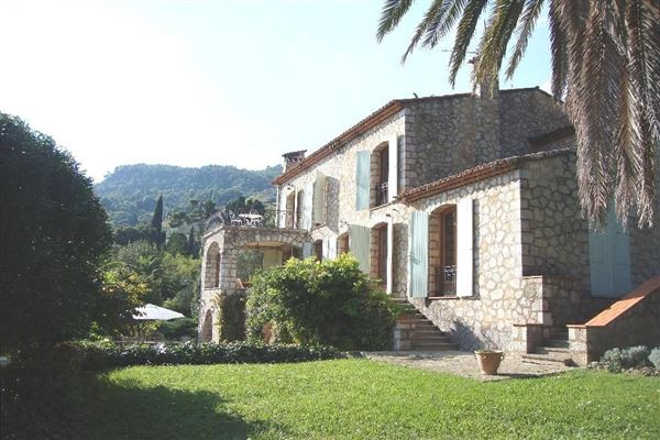 Luxury homes in Lovely and spacious stone villa