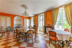 elegant castle on the edge of the Sologne luxury homes