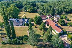 Mansions in elegant castle on the edge of the Sologne