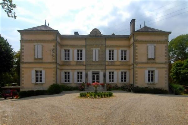 Luxury properties totally renovated chateau In the heart of the Lot-et-Garonne