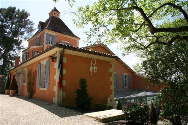 Luxury properties Seven bedroom castle