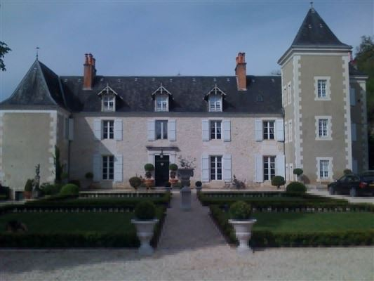19 th century castle completely restored mansions