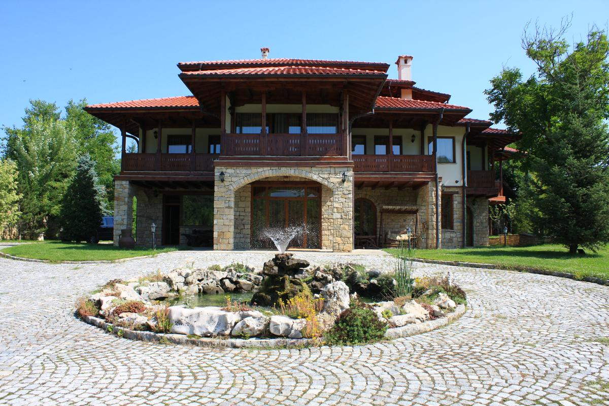 Luxury homes A perfect combination between art and etno