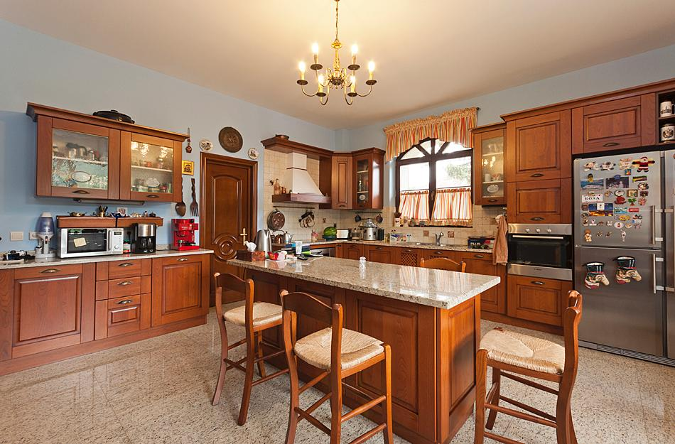 Beautiful house for sale near a lake luxury real estate