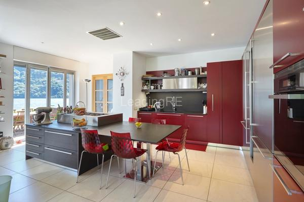 Luxury homes in Villa Lide