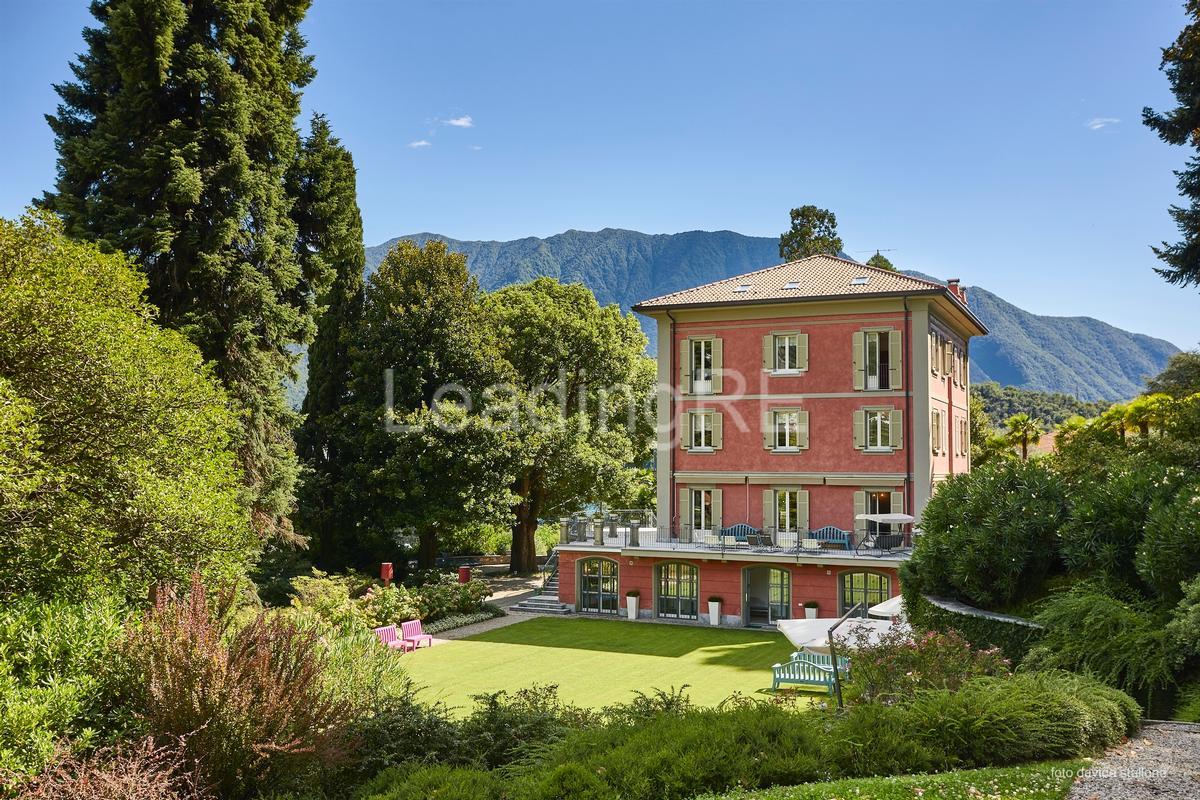 Luxury real estate Villa Luce