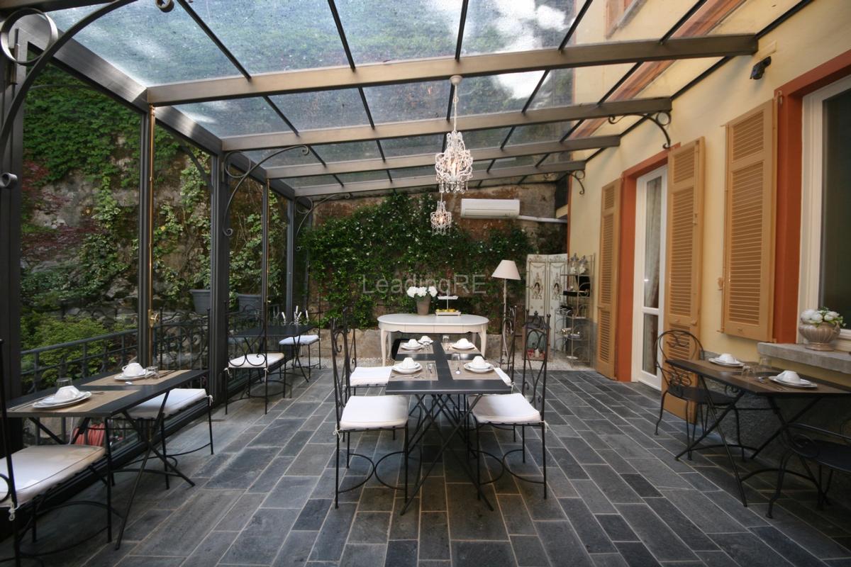 Luxury homes in Villa Augusta