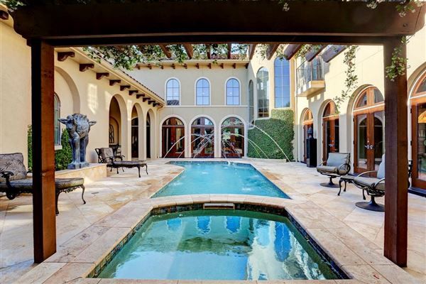 Exceptional Home In Royal Oaks Country Club Texas Luxury