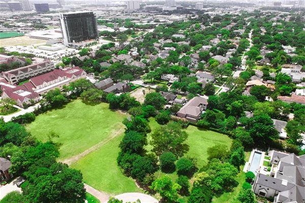 prime River Oaks building site luxury properties
