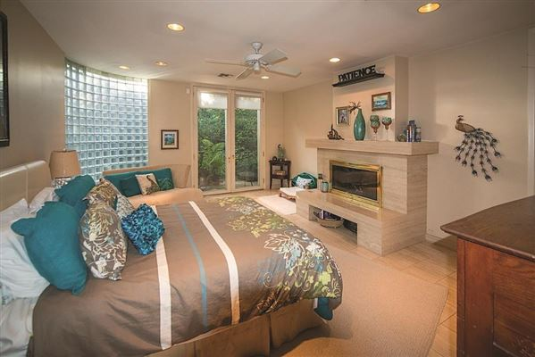 Fabulous remodeled home with Incredible views mansions