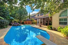 Mansions Beautiful home with impressive curb appeal and fabulous flow