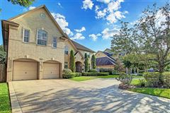 Mansions in Beautiful home with impressive curb appeal and fabulous flow