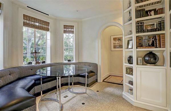 Welcome to Groveland luxury properties
